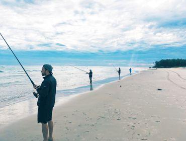 Mi Fishing At Dawn