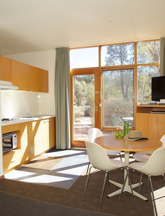 Modern resort rooms sleeping up to 6 people. & Holiday and Resort Accommodation - Wilpena Pound