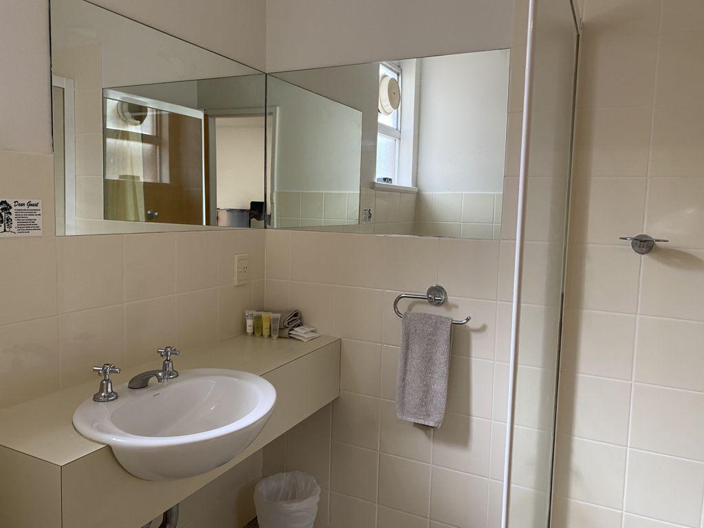 Aroona_Bathroom_2021