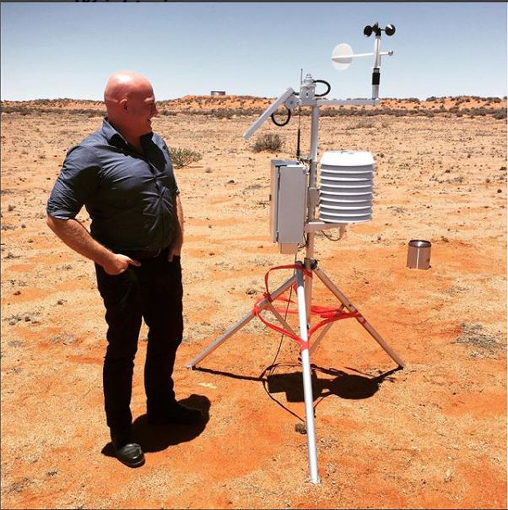 Launch of Weather Station at William Creek!