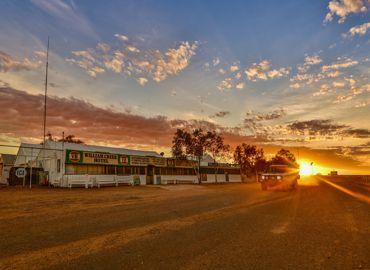 William Creek Hotel Sunrise01